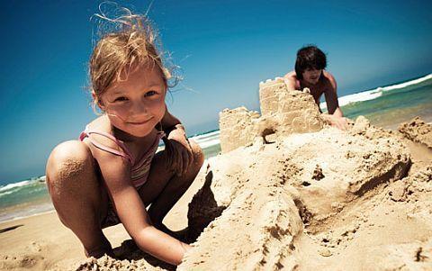 Jucarii de plaja si nisip si produse de ingrijire pentru copii, vara