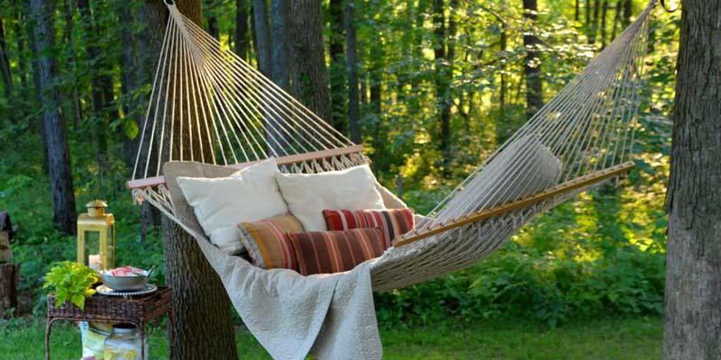 Balansoare si hamace de gradina si drumetie, pentru momente de relaxare