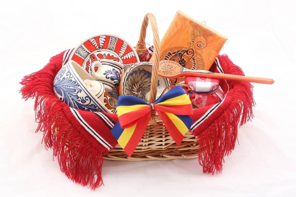 Cele mai frumoase cadouri traditionale pentru straini – nu uita de Romania!