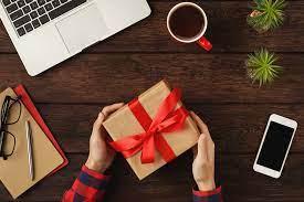 Cadouri de Craciun pentru colegii de birou si sefii de gasca