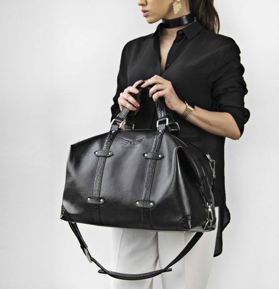 Alege o geanta de voiaj din piele pe care sa o oferi cadou sefului sau persoanei iubite