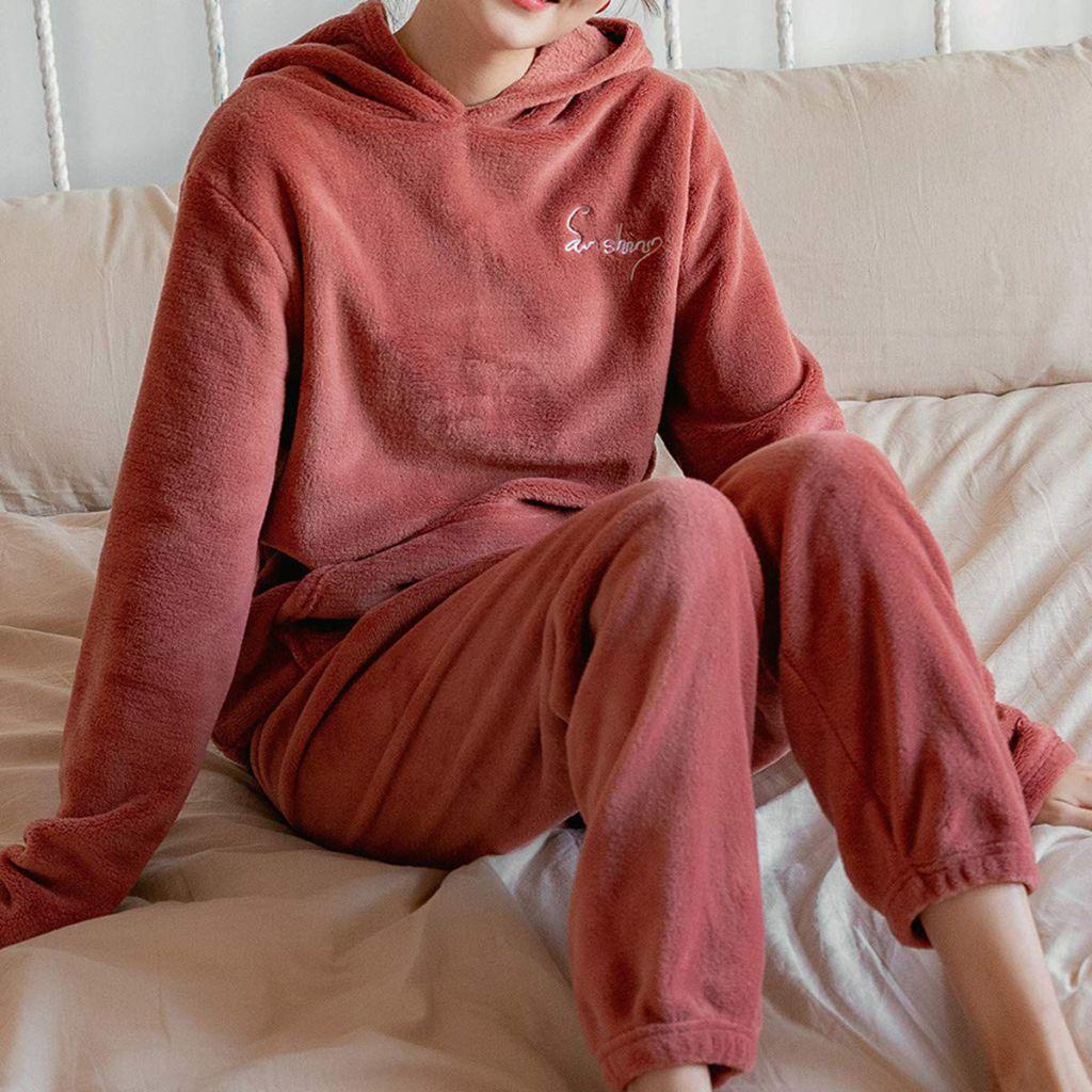 Pijamale pufoase, flausate si calduroase, pentru toamna-iarna