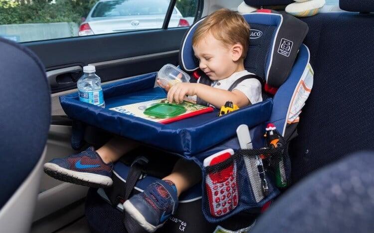 Ofera cadou accesorii de masina pentru familii cu bebe sau copii 3+