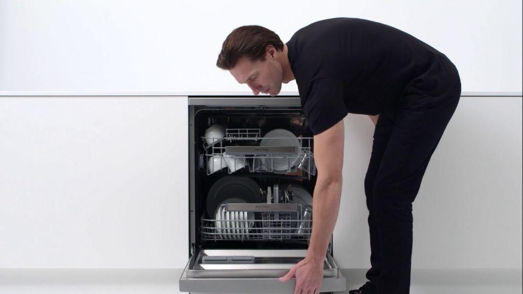 Mașină de spălat vase - Cadou Pentru Părinți