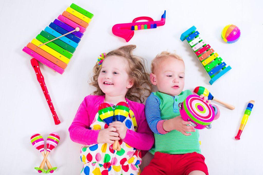 Instrumentele muzicale reprezinta un cadou inspirat pentru copii