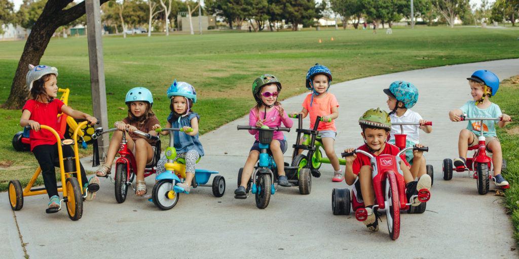 Triciclete pentru copii - pliabile sau fixe, si cu protectie de soare?