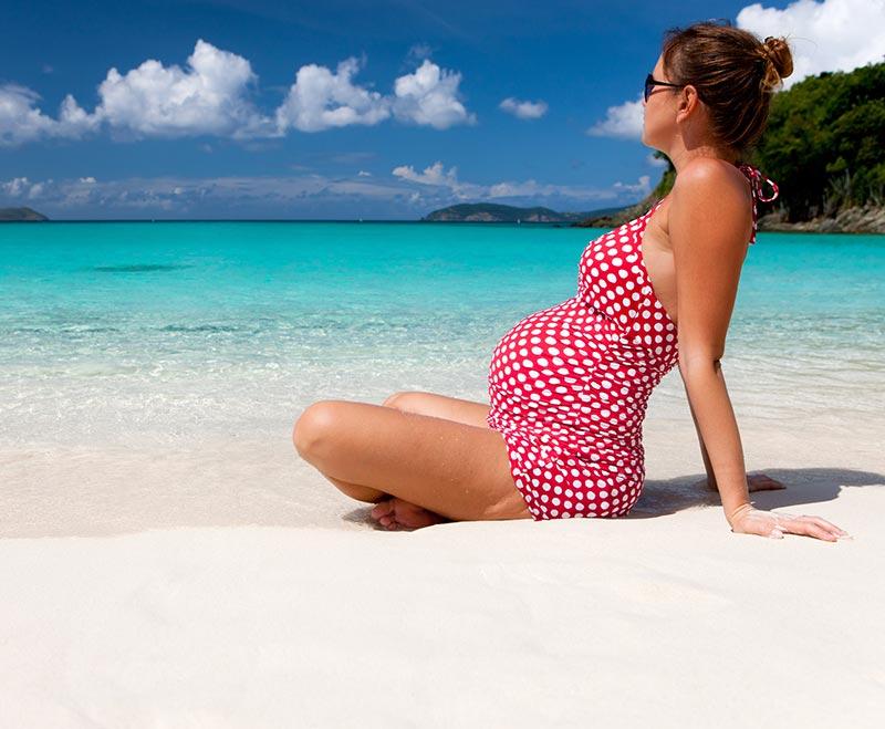 Costume de baie pentru gravide - elastice, comode, cu uscare rapida