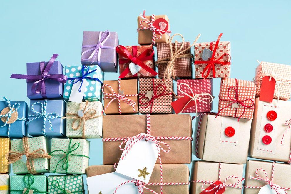 Cadouri deosebite pentru fini - simbolice sau de lux?
