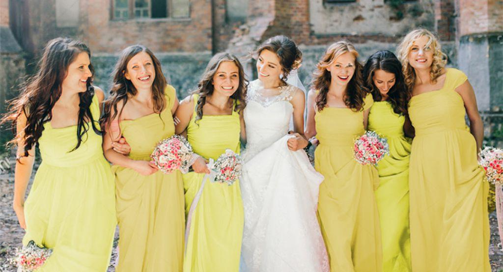 Rochii galbene sau portocalii pentru domnisoarele de onoare