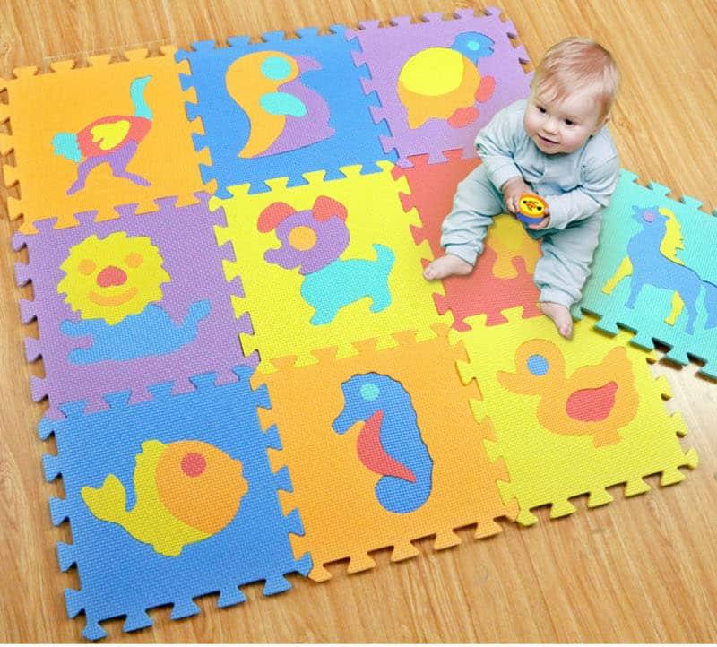 Alege un Covor puzzle din burete, cu cifre si litere, pentru bebelusi