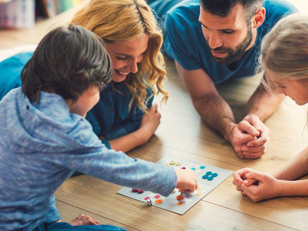 Jocuri care stimuleaza comunicarea si interactiunea parinti - copil