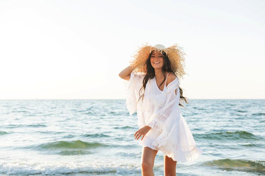Cele mai noi Rochii de plaja de lux - lungi, vaporoase, albe sau colorate