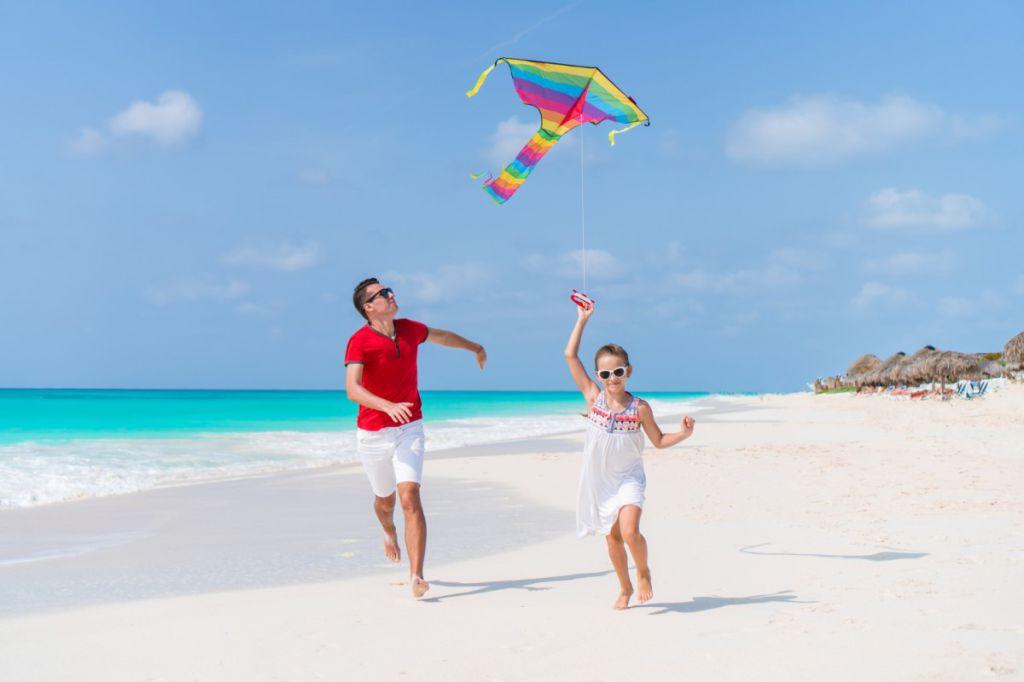 Zmeie si jucarii zburatoare pentru copii, de avut in parcuri sau mare